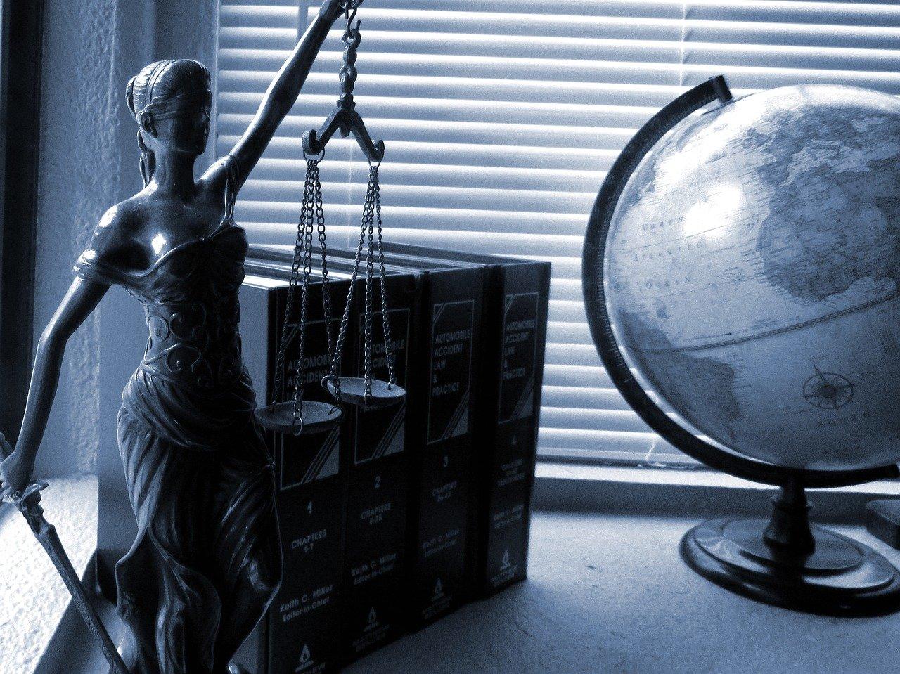 Réu - justiça