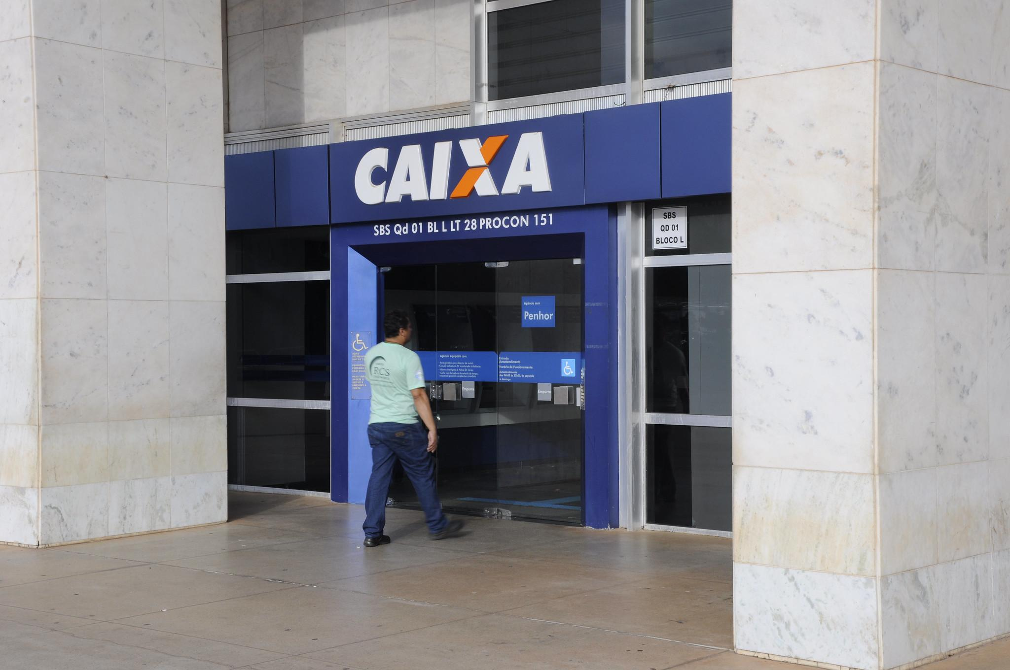 Imagem mostra Caixa Econômica Federal para Abono salarial