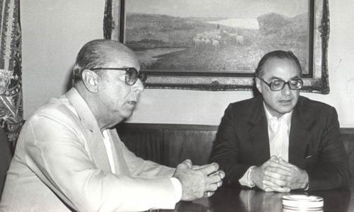 Figueiredo, presidente do regime militar, e Paulo Maluf conversando. Desvio de Dinheiro
