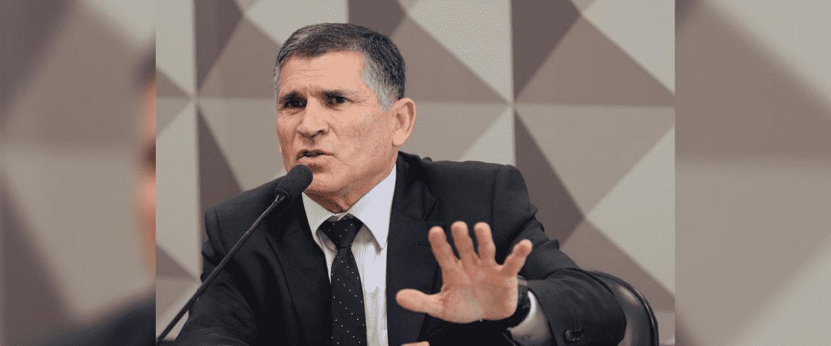 Governo Bolsonaro: General Santos Cruz aparece gesticulando