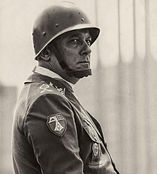 General Newton Cruz atuou em corrupção por desvio de dinheiro