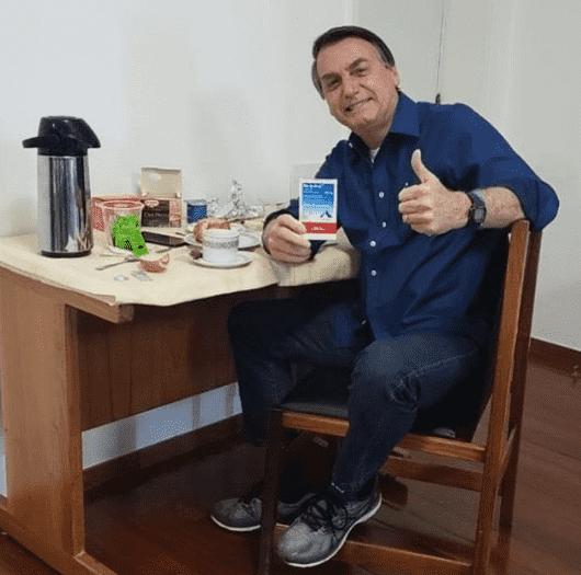 Imagem mostra que Bolsonaro testa negativo para Covid