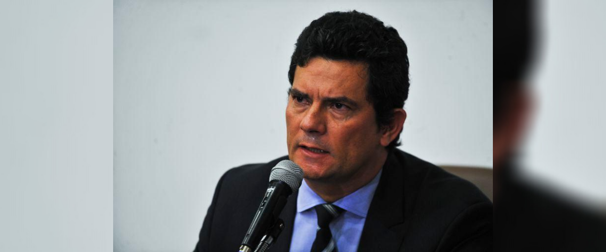 Governo Bolsonaro: Sérgio Moro com microfone