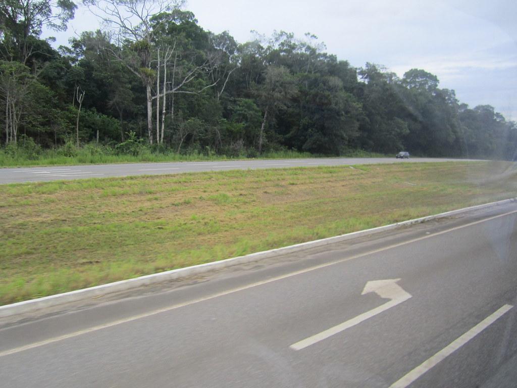 trecho da rodovia não finalizada por desvio de dinheiro