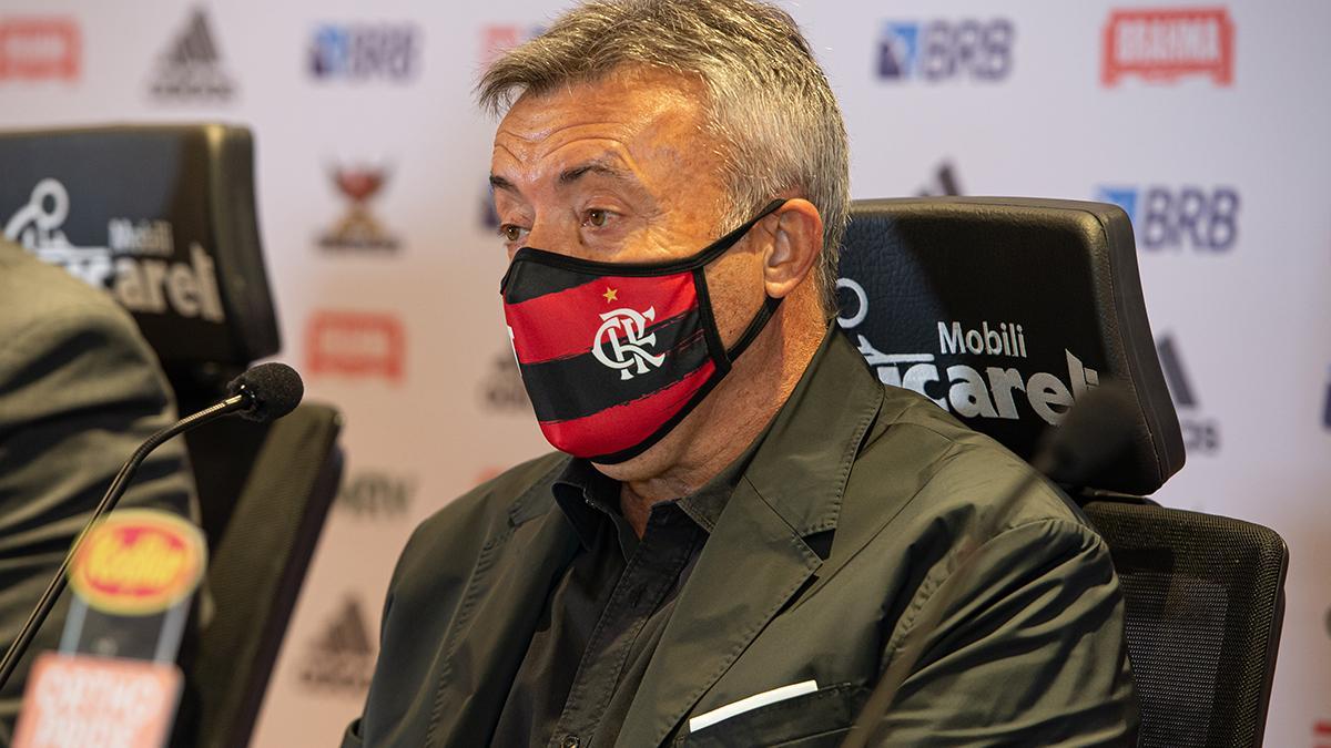 Domènec Torrent é apresentado como novo técnico do Flamengo