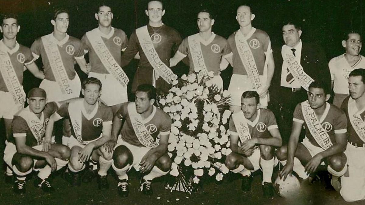 Palmeiras não tem Mundial? Jogadores comemoram a conquista em 1951