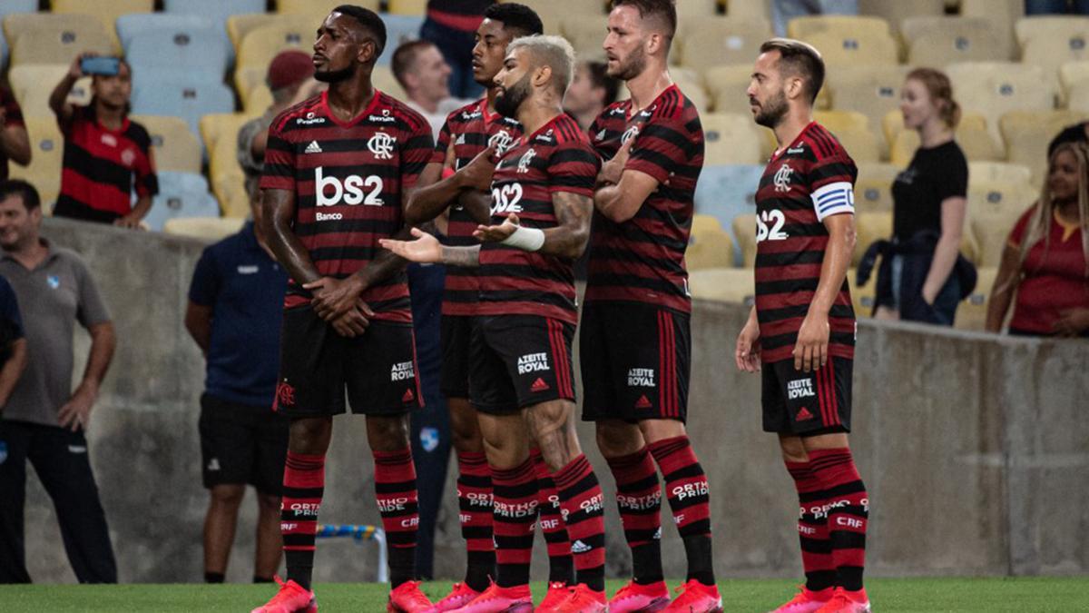 Elenco do Flamengo comemora: time é o principal dos favoritos ao título do Brasileirão 2020