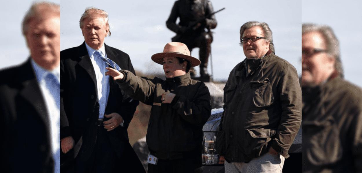 Steve Bannon e Donald Trump durante evento