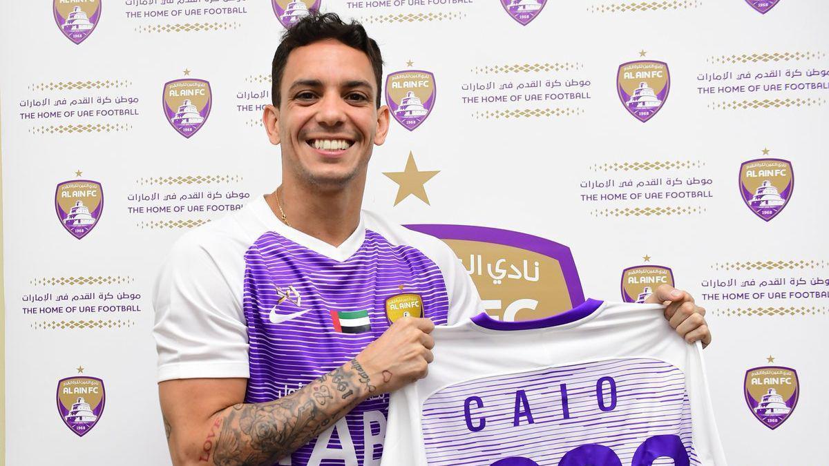 Caio é apresentado no Al Ain