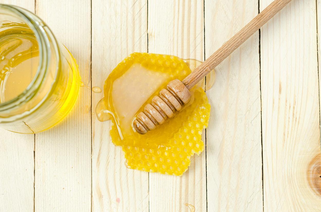 esfoliante com mel e açúcar