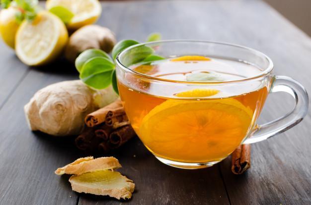 chá de gengibre com limão