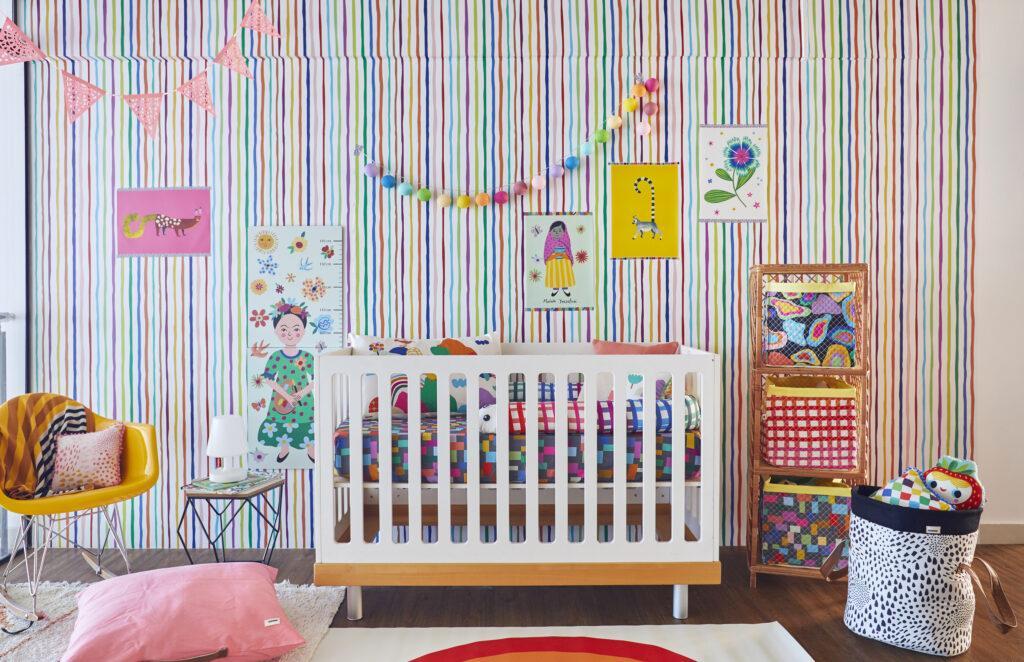 quarto de bebe colorido inspirado em Frida Kalo