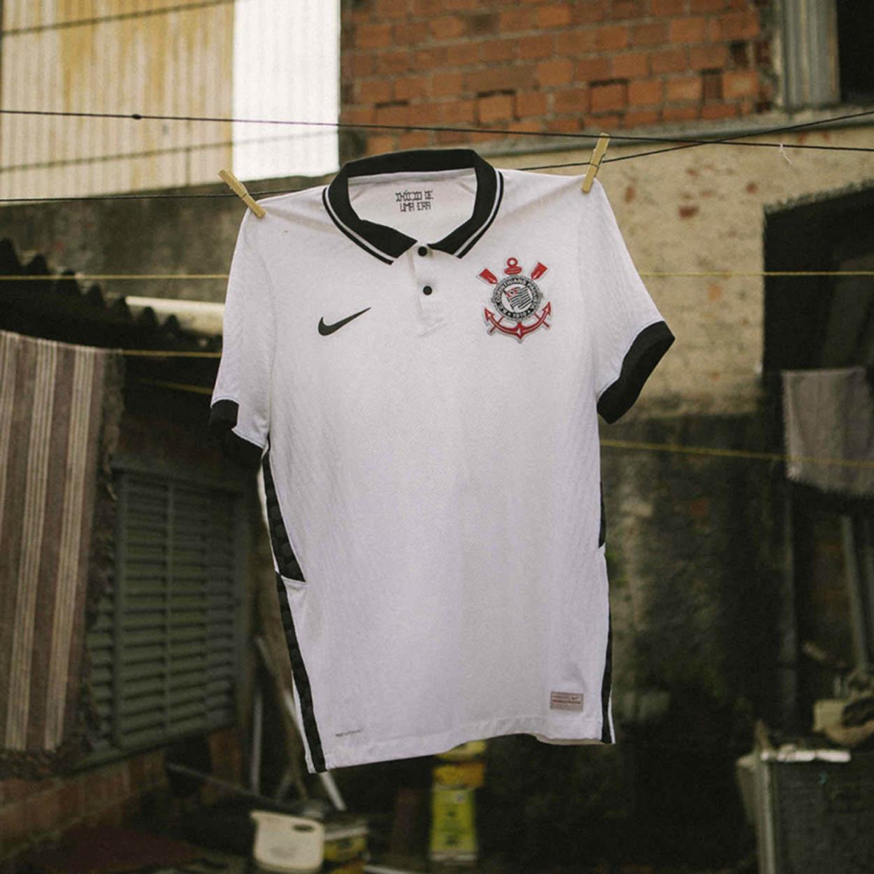 Nova camisa do Corinthians lançada pela Nike em 2020
