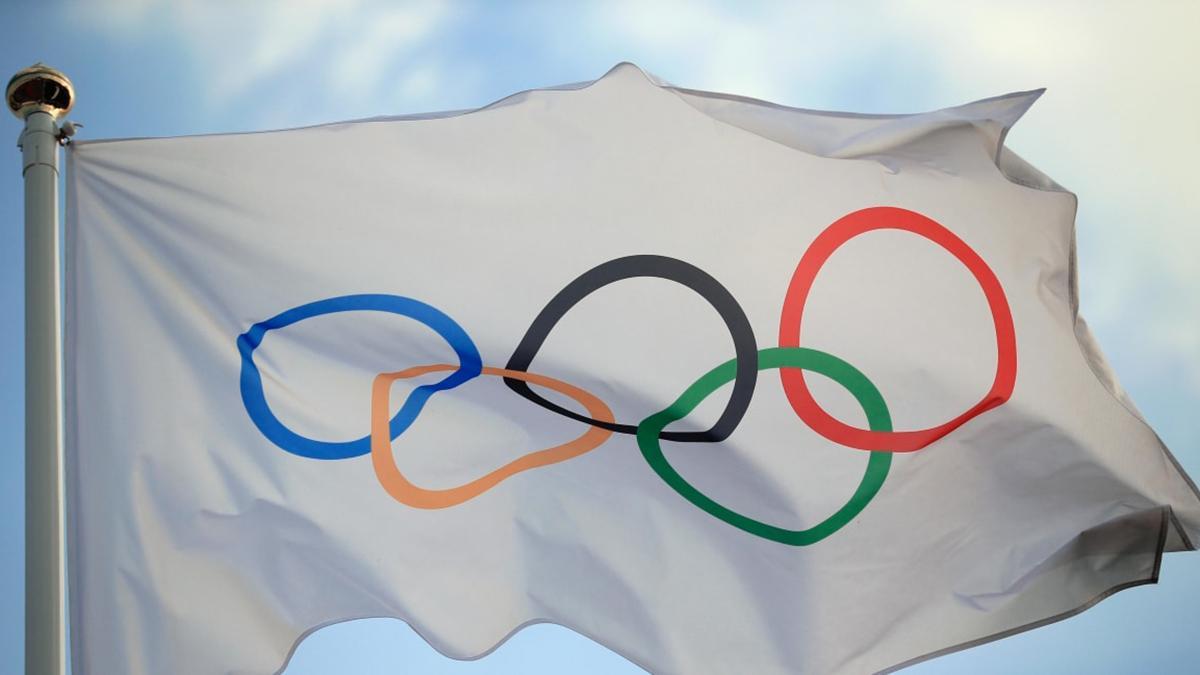 Bandeira com anéis olímpicos: Olimpíadas 2020 podem não acontecer