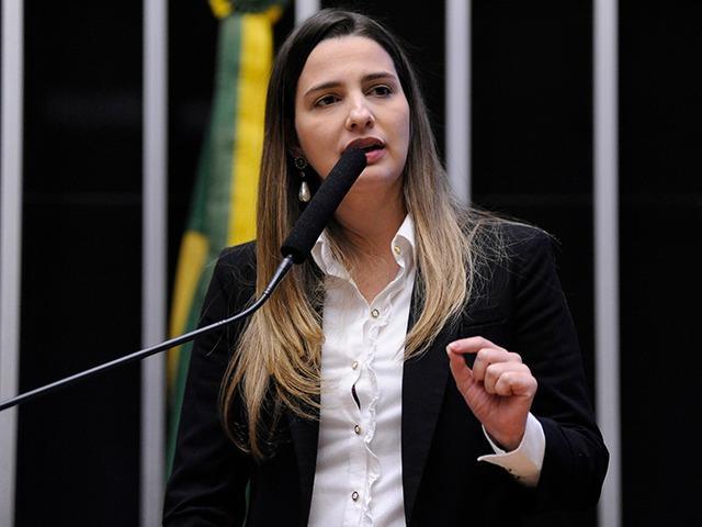 Foto mostra Clarissa Garotinho