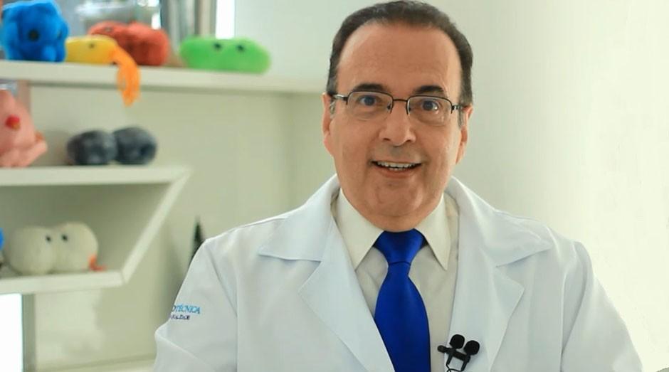 Foto mostra o médico conhecido como Doutor Bactéria para Eleições 2020