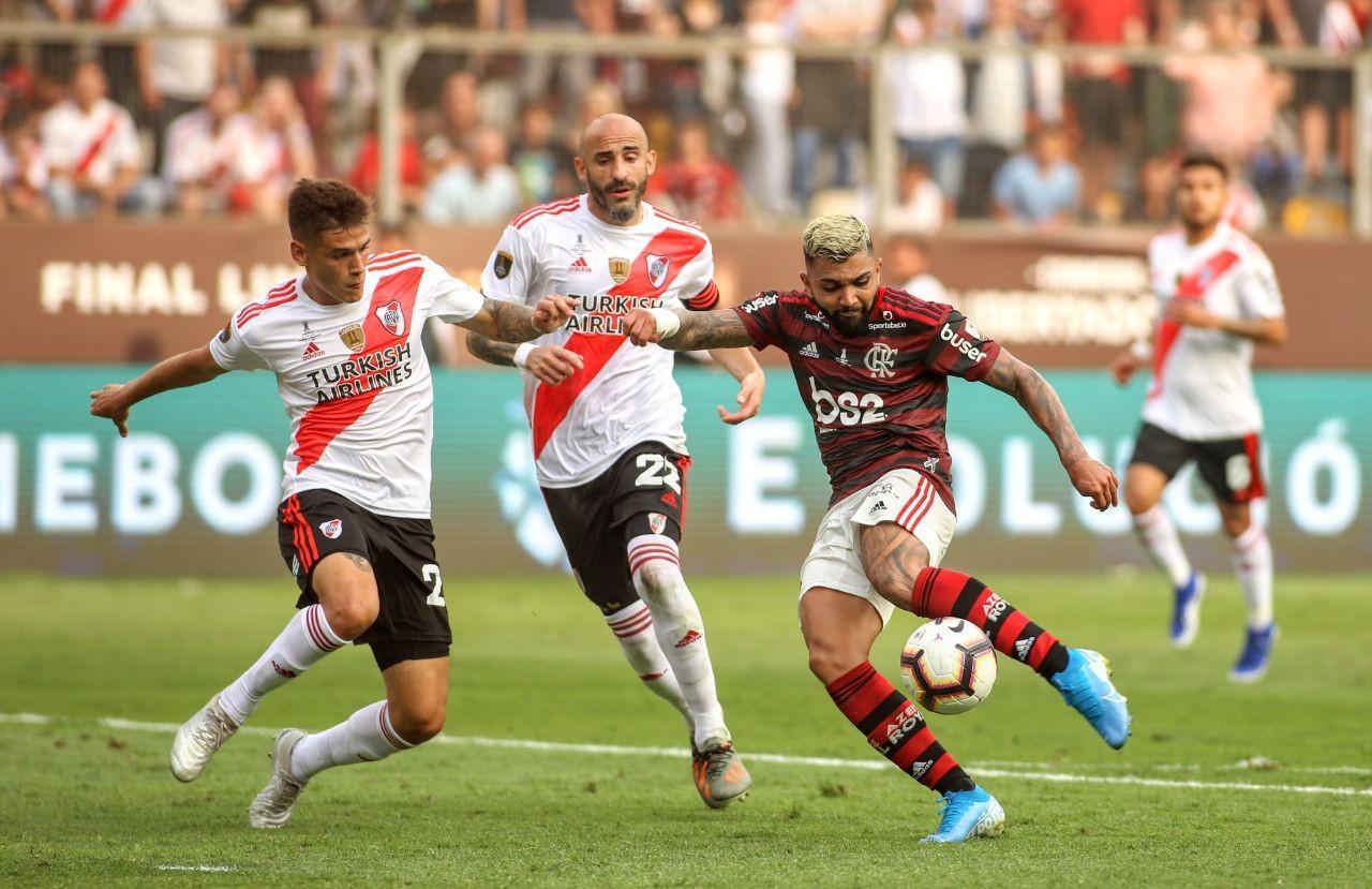 Gabigol marcando gol do título do Flamengo em 2019