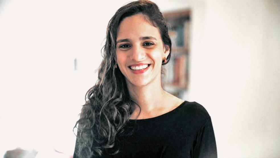 Foto mostra Marina Helou, candidata.