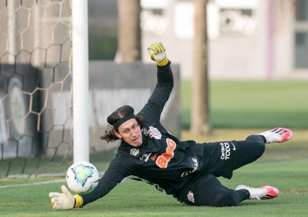 Cássio faz defesa em treino do Corinthians está quarta-feira (9)