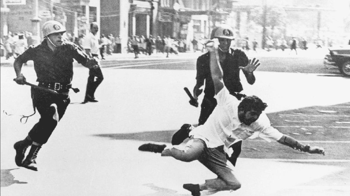 Foto mostra retrato da intervenção militar de 1964 no Brasil