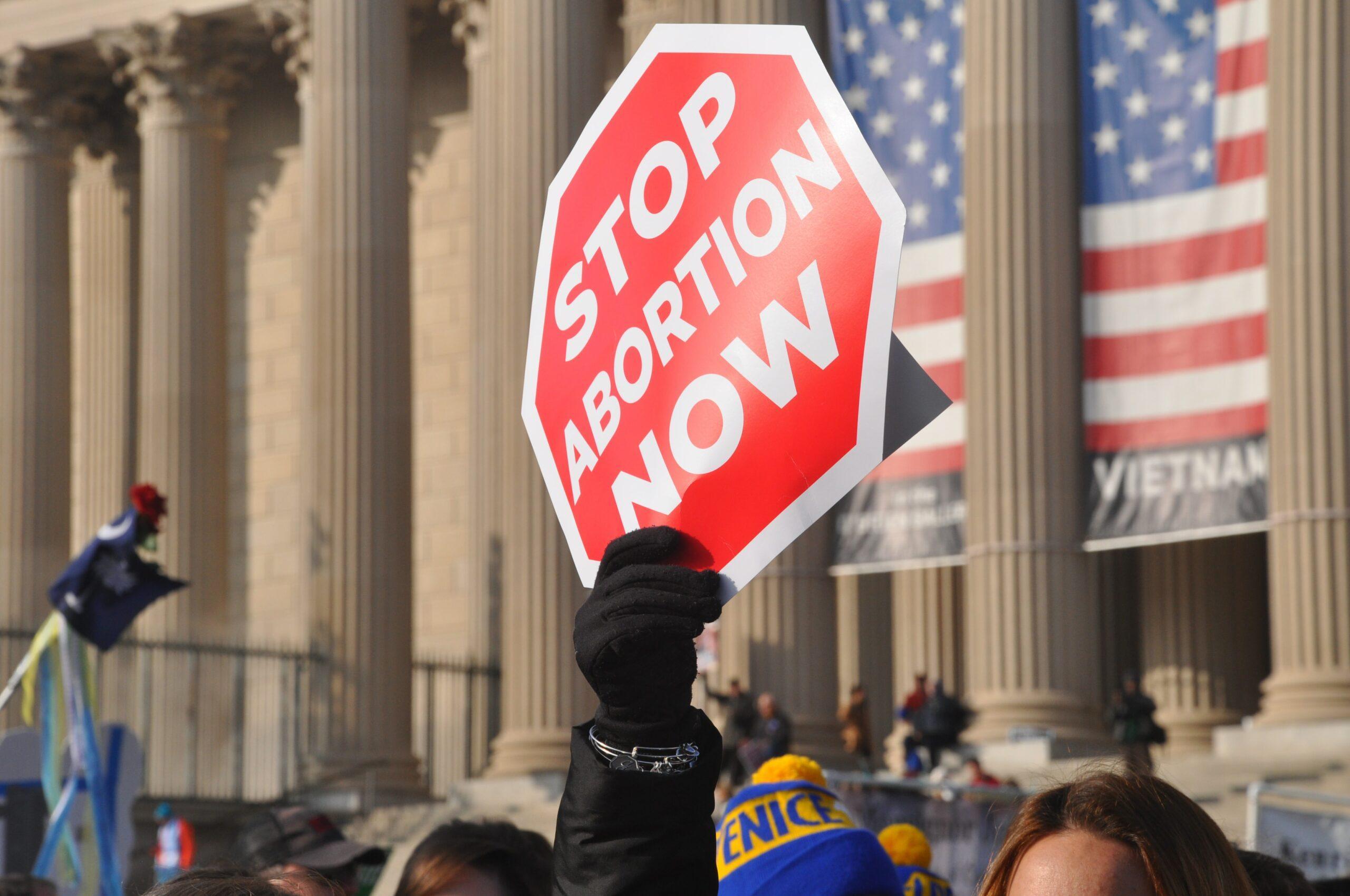 Posicionamento de Amy Coney Barrett contra o aborto