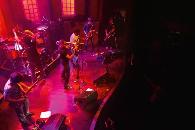palco da famosa casa de jazz e blues Bourbon Street em Moema