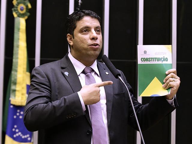 Foto mostra candidato às eleições de BH 2020, Igor Timo
