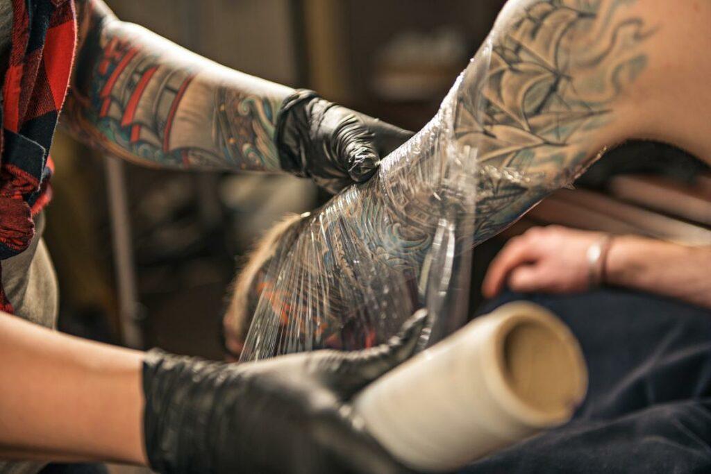 cuide da tatuagem