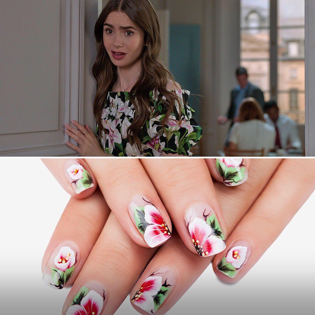 """Imagem mostra nail art parecida com roupa de """"Emily em Paris"""""""