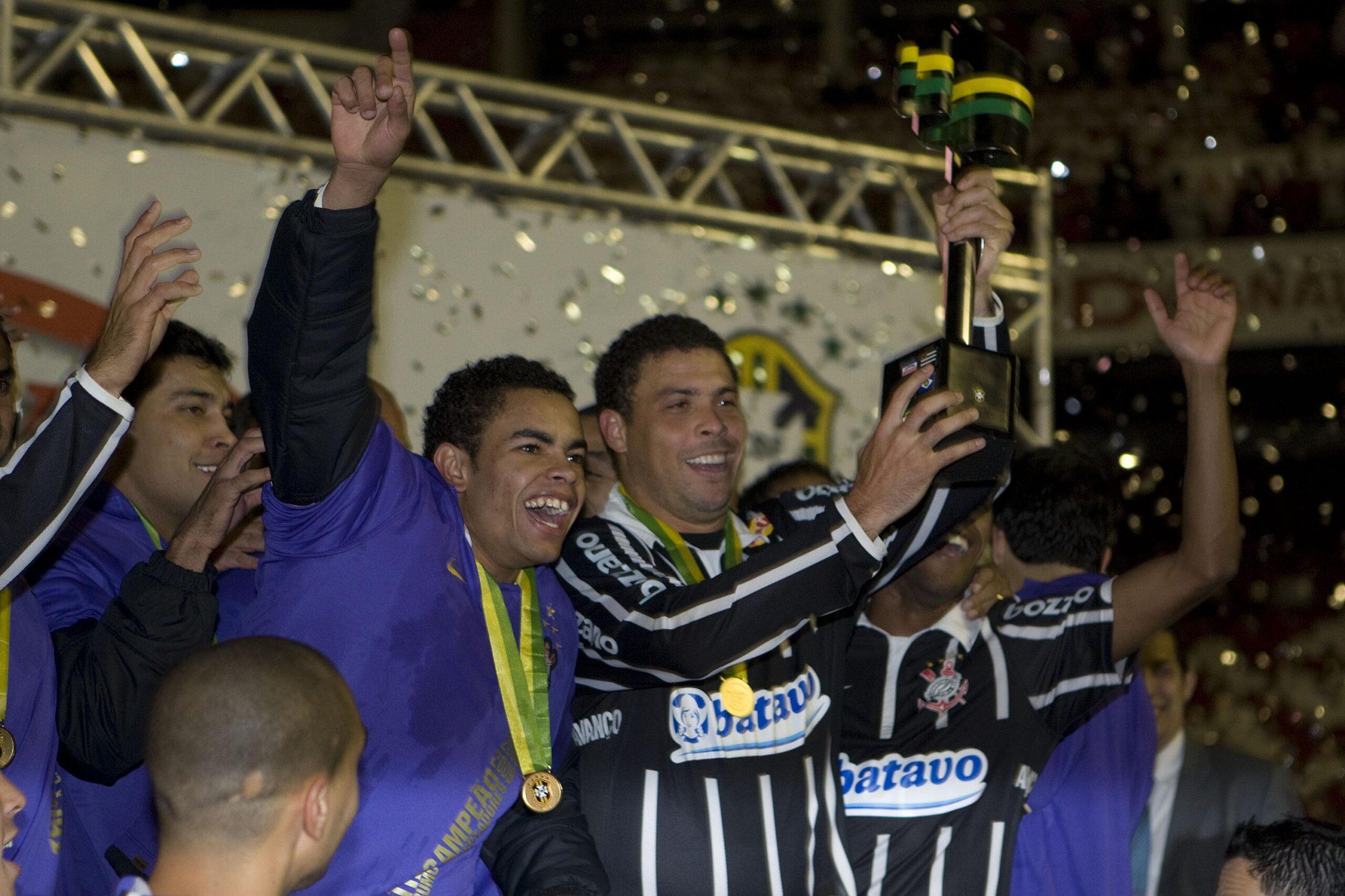 Com o jovem Dentinho, mas também com o consagrado Ronaldo, Corinthians conquistou seu último título da Copa do Brasil
