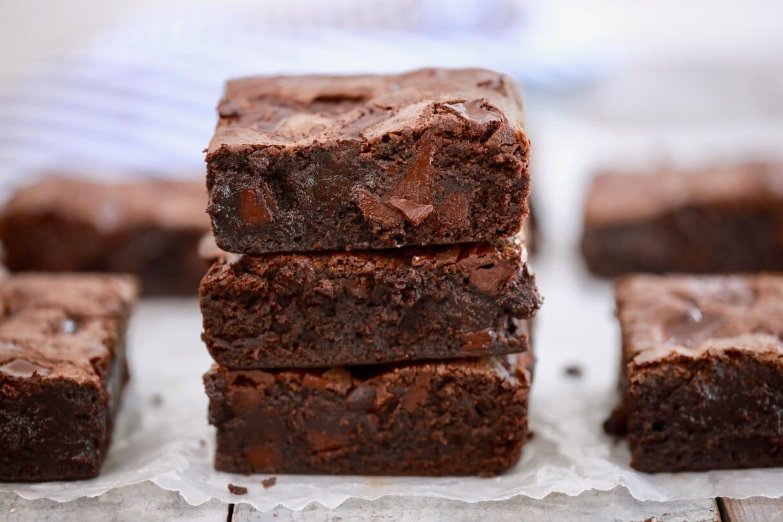 imagem mostra brownie de chocolate