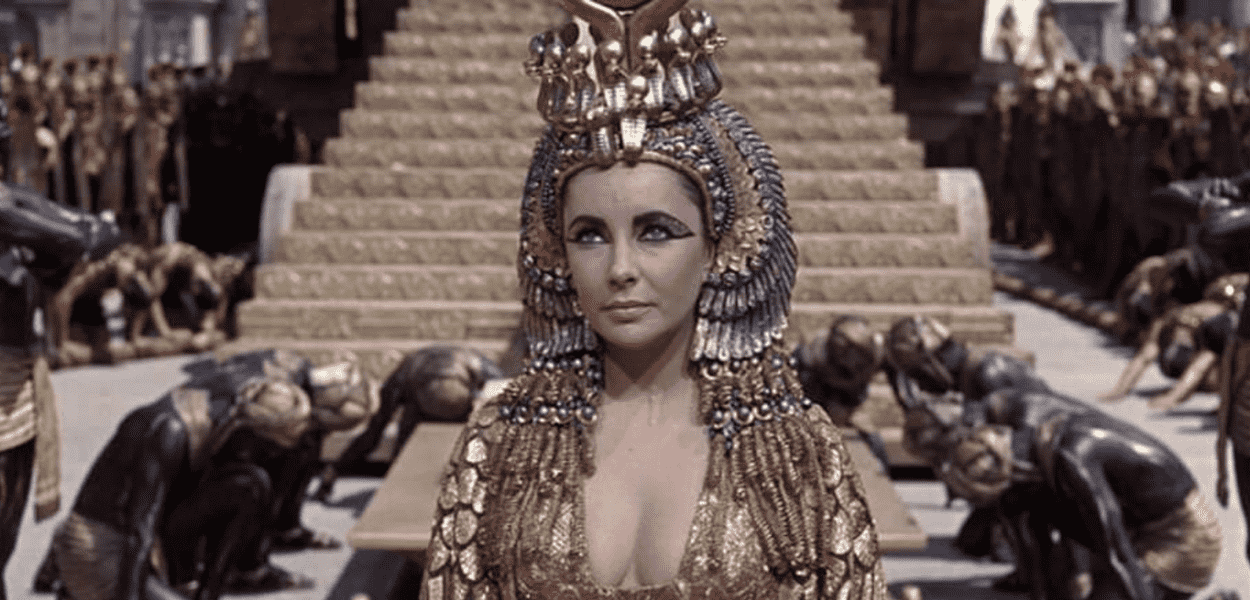 Gal Gadot não será a primeira mulher a interpretar Cleópatra, a primeira foi a atriz Eliabeth Taylor. Fonte: Reprodução