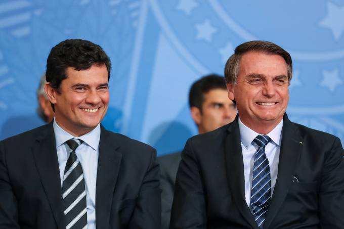 Foto mostra Sérgio Moro ao lado de Jair Bolsonaro
