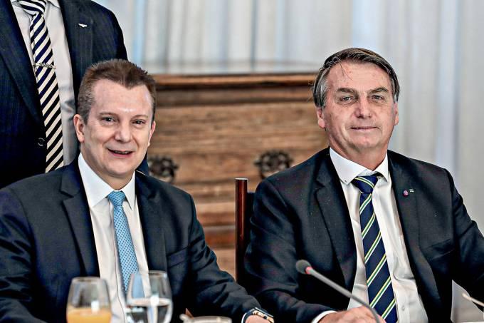 Foto mostra Celso Russomano ao lado de Jair Bolsonaro
