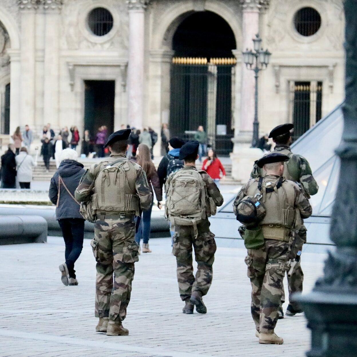 Professor é decapitado em Paris