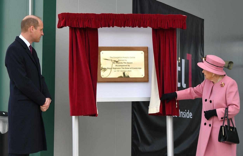Rainha Elizabeth II aparece pela primeira vez