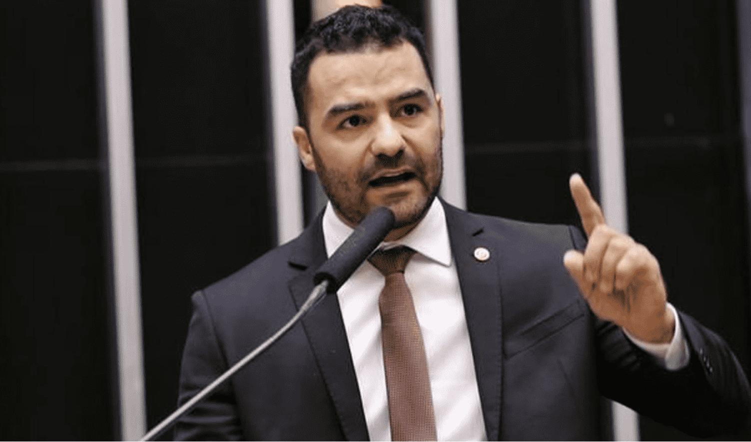 """Foto mostra candidato à prefeitura de São Paulo, Arthur do Val """"Mamãe Falei"""" sobre as eleições 2020"""