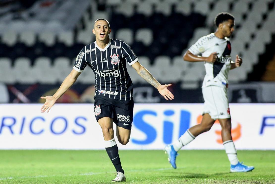 Corinthians vence Vasco e sobe para 10ª posição