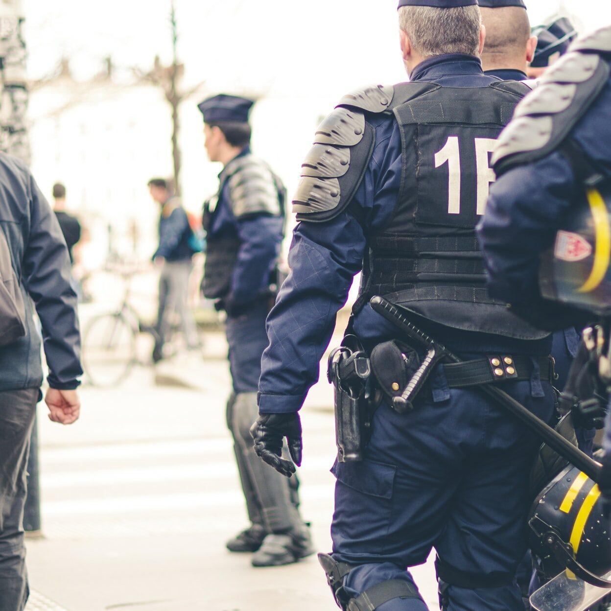 ataque terrorista no interior da França