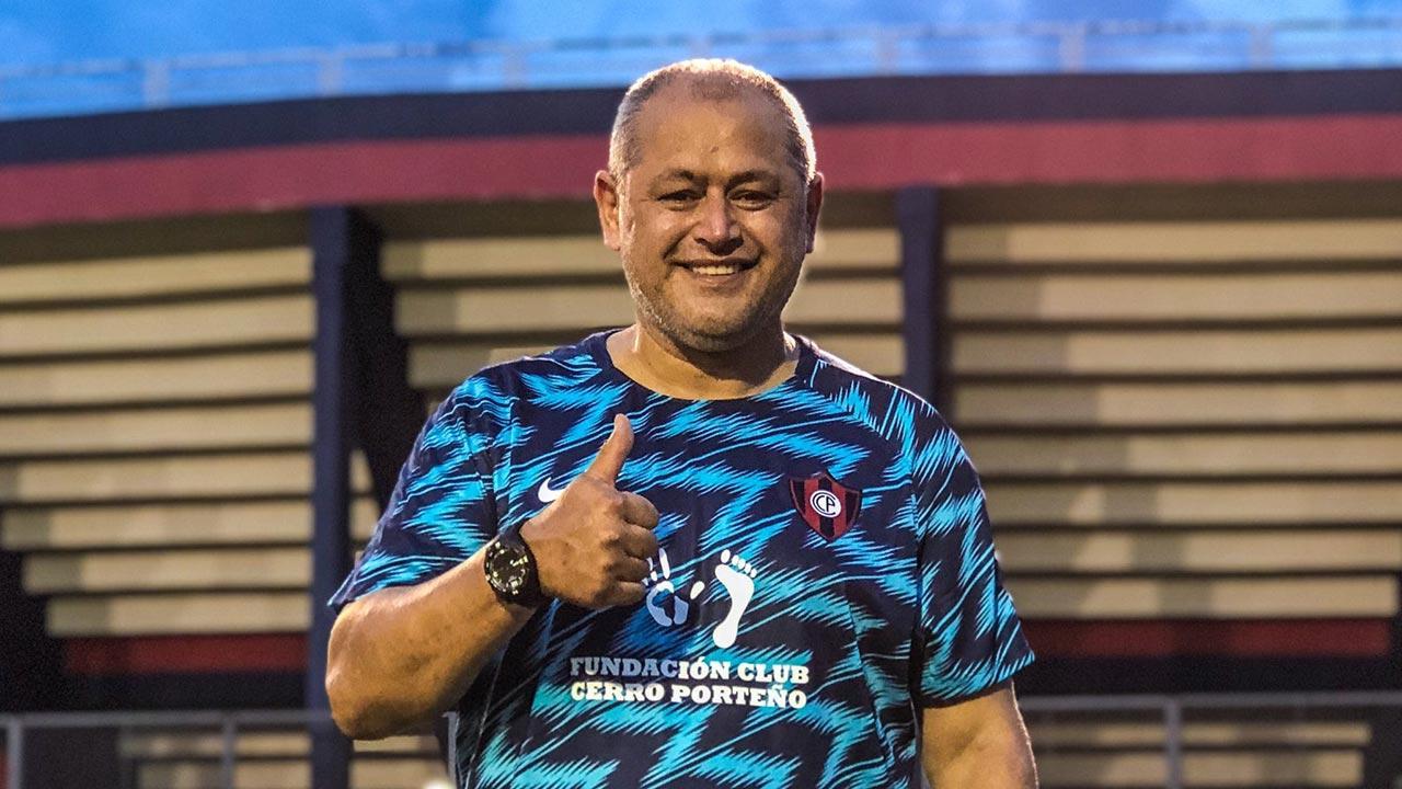 Arce está entre os cotados para ser o novo técnico do Palmeiras