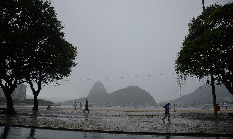 Previsão do tempo para o feriado de 2 de novembro é chuva
