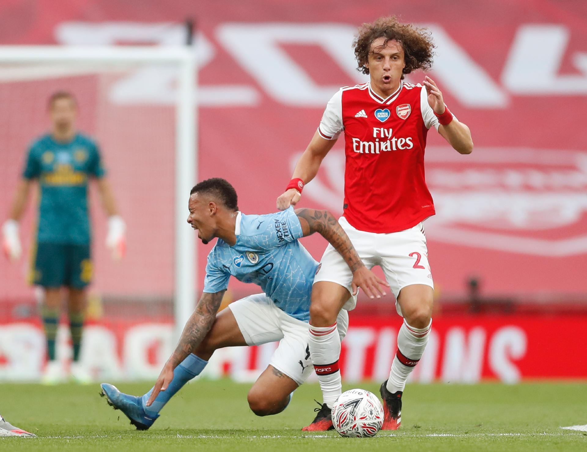 Duelo entre brasileiros no clássico: Gabriel Jesus x David Luiz