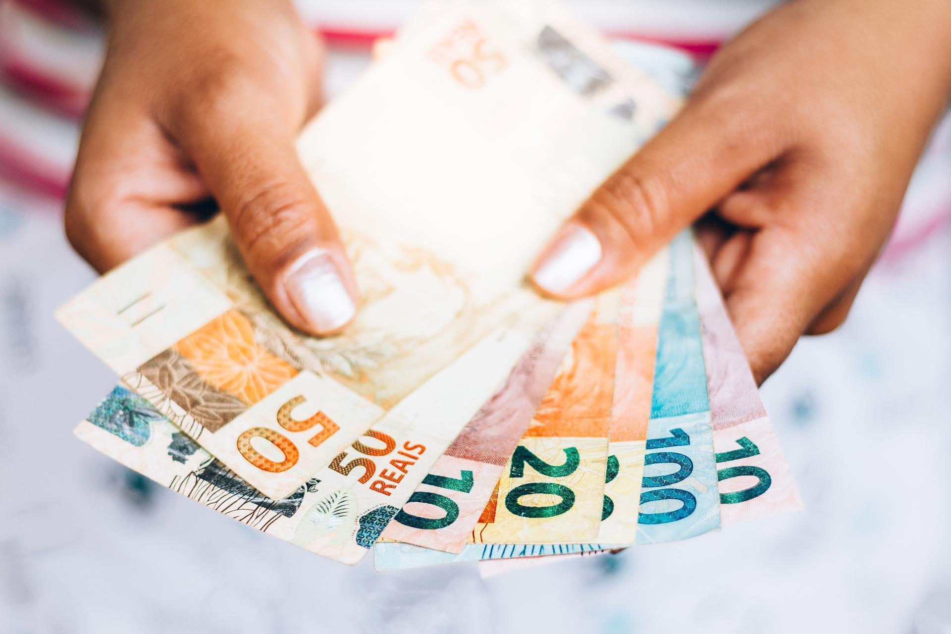 Imposto de Renda 2020: Receita paga hoje lote de malha fina