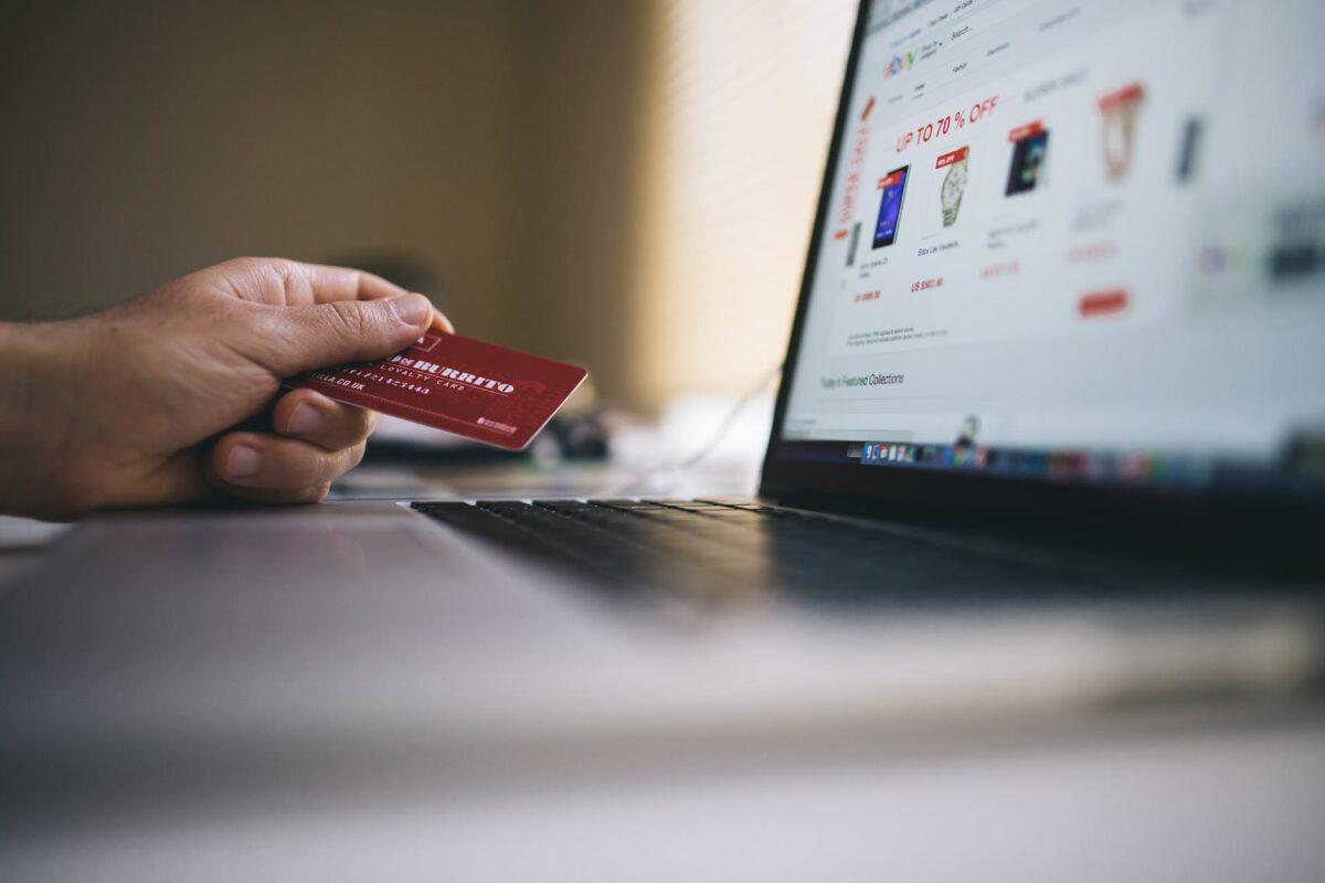 Demonstração de compras online.