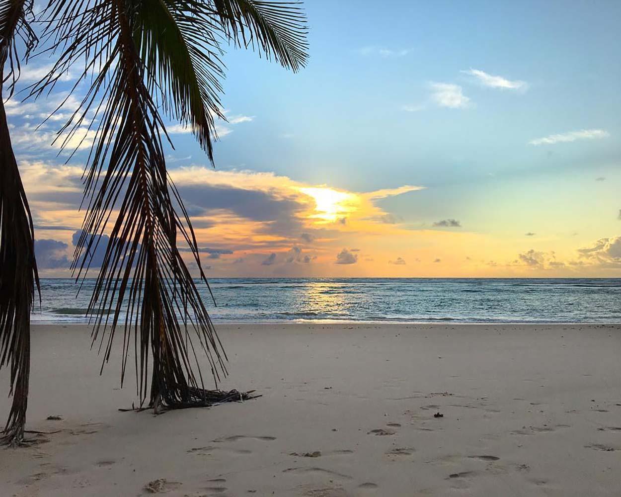 praia isolada de algodões