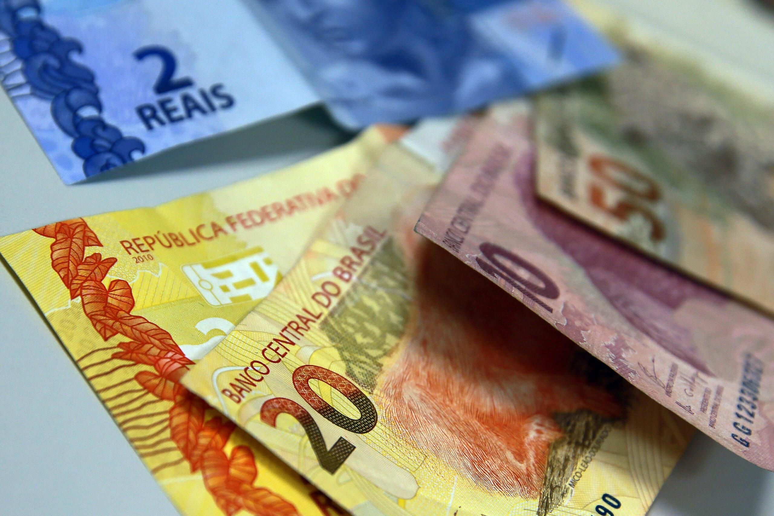 Décimo terceiro irá injetar bilhões na economia brasileira. Foto: reprodução/Agência Brasil