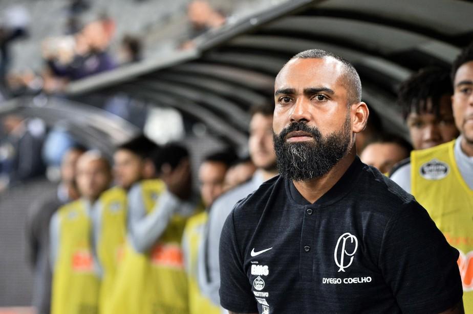 Dyego Coelho vem de três empates seguido à frente do Corinthians