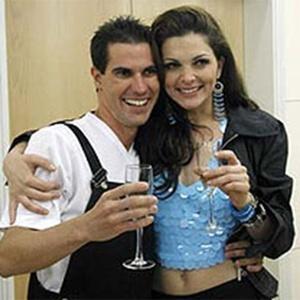 Serginho e Luiza, de A Fazenda 12, em Casa dos artistas