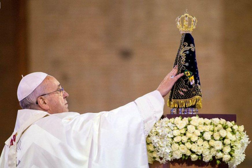 Imagem de Nossa Senhora Aparecida e Papa Francisco
