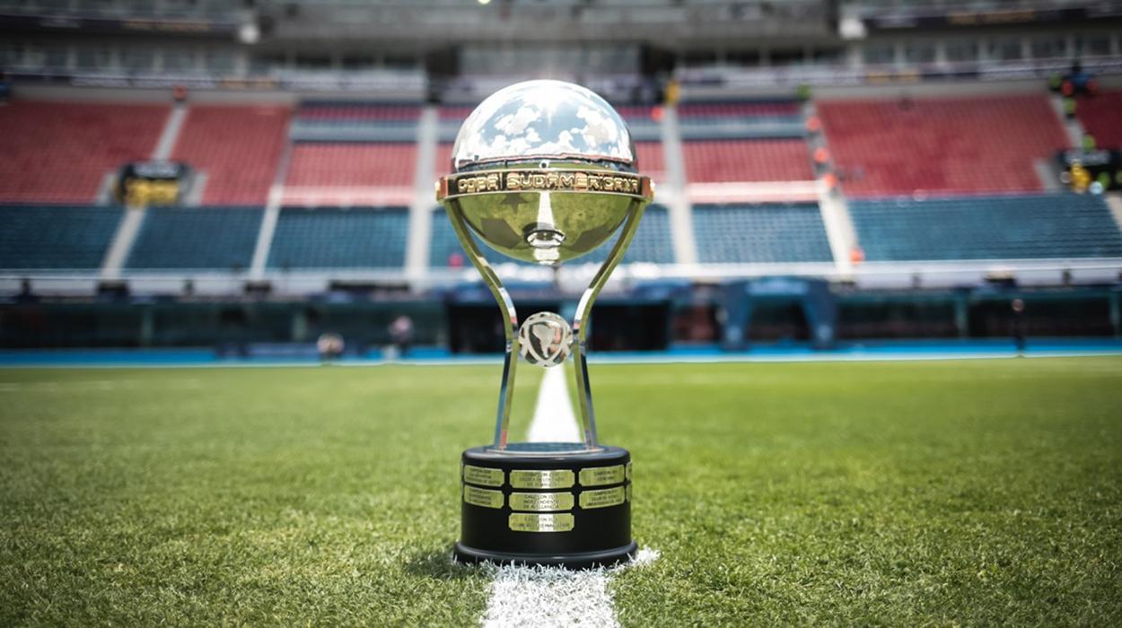 Troféu da Copa Sul-Americana; competição terá mudanças em 2021